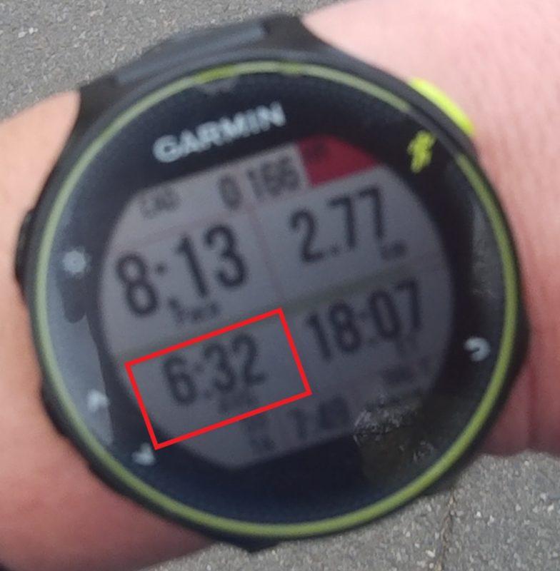 走行中のDozen Run画面(平均ペース表示)